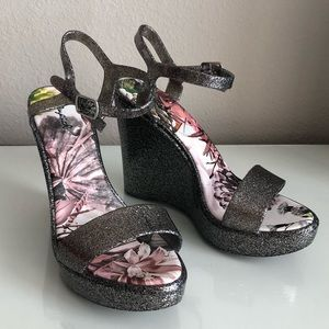 QUPID Glitter Silver Wedge Sandals Heels 38
